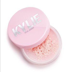 Kylie Soft Pink Setting Powder